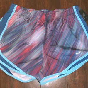 Nike Dry-Fit Athletic Shorts Medium